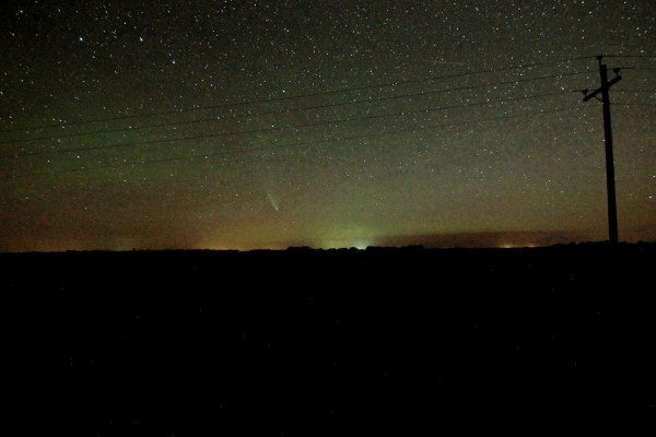 Comet NEOWISE above the prairie horizon