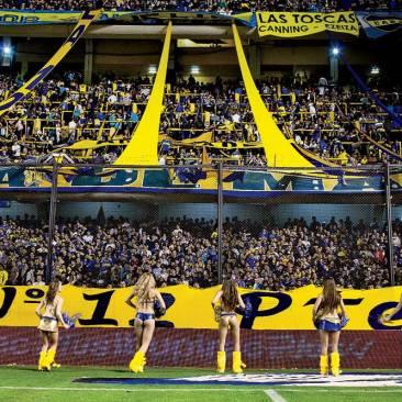 Boca Juniors cheerleaders in La Bombonera.