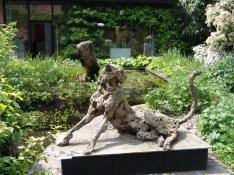 Cheetah 110x65cm garden exhibition Latem Gallery ©2014