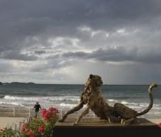 Cheetah 110x65cm at the beach in Dinard (F)