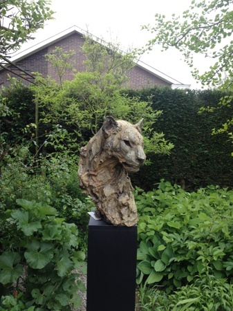 Head of a Female Panther at the garden exhibition Latem Gallery ©2014