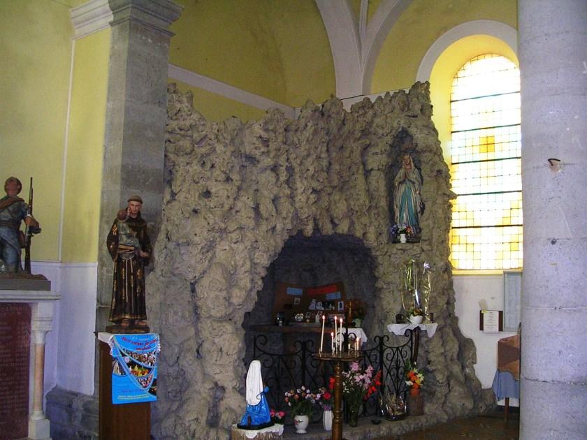 L'attribut alt de cette image est vide, son nom de fichier est Eglise-vue-intérieure-12.jpg.