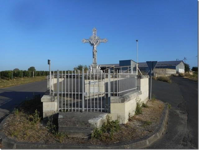 Croix de mission de la Rouanne de Saint-Cyr-en-Bourg en Poitou