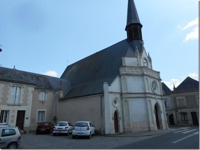 L'église Saint-Adrien à l'origine de la commune de Pocé-sur-Cisse