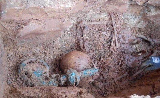 Charente Une crosse en bronze sous l'abbatiale romane
