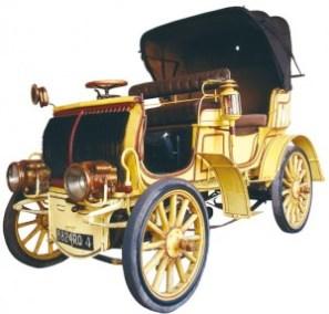 Fabriquée à Lunéville, cette voiture Lorraine-Dietrich, système Amédée Bollée de modèle 1897, est l'une des premières sorties des usines De Dietrich