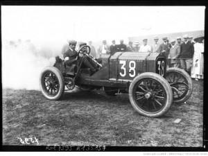 [Ferdinando] Minoia sur Lorraine-Dietrich [Grand prix de l'A. C. F. 1908, course automobile à Dieppe le 7 juillet Gallica