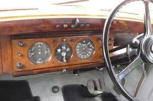 Bentley-R-Type-de-1954-7-300x199 Bentley R Type de 1954 Bentley Type R de 1954