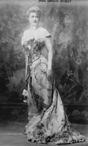 Camille_du_Gast_-.1890s_Full_body_publicity_picture_for_a_piano_recital-1-Copier-182x300 Camille Du Gast, première femme pilote de course Divers