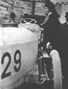 mme-camille-du-gast-de-dietrich-30-hp-230x300 Camille Du Gast, première femme pilote de course Divers