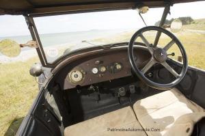 Mercedes-2895-Phaetin-1914-intérieur-1-300x199 Mercedes 28/95 de 1914 à Rétromobile Divers
