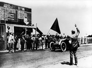 "renault-type-ak-1906_Grand_Prix_Finish-300x223 Renault Type AK ""Grand Prix"" 1906 Cyclecar / Grand-Sport / Bitza Divers Voitures françaises avant-guerre"