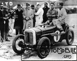 "Austin-7-Ulster-winner-of-1930-500-Mile-Race-Brooklands-300x238 Austin 7 (seven) ""Ulster"" de 1930 Divers"