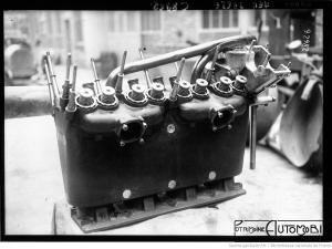Peugeot-de-course-de-Boillot-300x225 La Peugeot des Charlatans (GP 1912) Divers