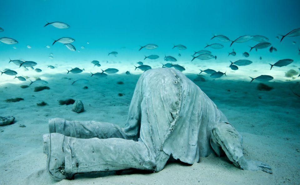 El Jardín de esculturas submarinas de jason deCaires Taylor.