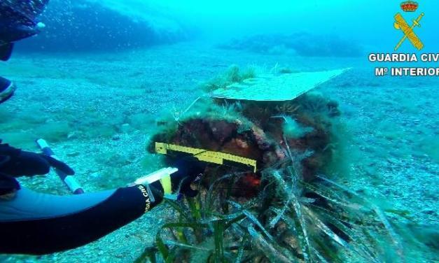 Prohíben el buceo en aguas de Tabarca tras hallar una bomba de la II Guerra Mundial