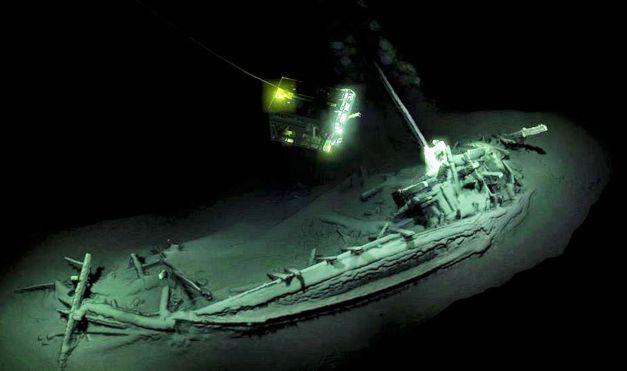 Hallado en el mar Negro un barco intacto de 2.400 años