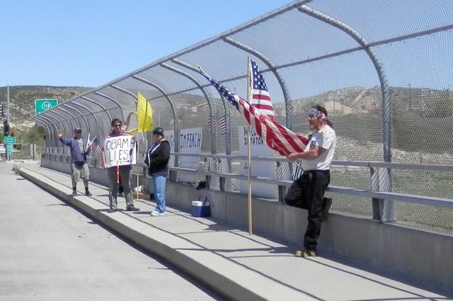 Impeach Obama Now! - Overpass Protest in Simi Valley  (April 4, 2014)