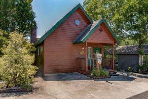 Ain't Misbehavin - an easy access cabin