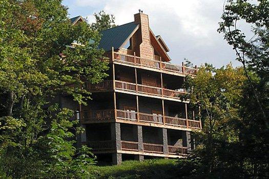 Big Bear Lodge - A Gatlinburg Cabin Rental