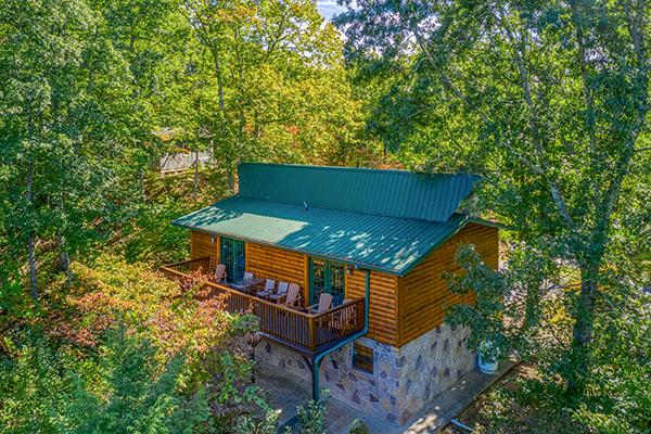 Exterior of a cabin called Pine Splendor