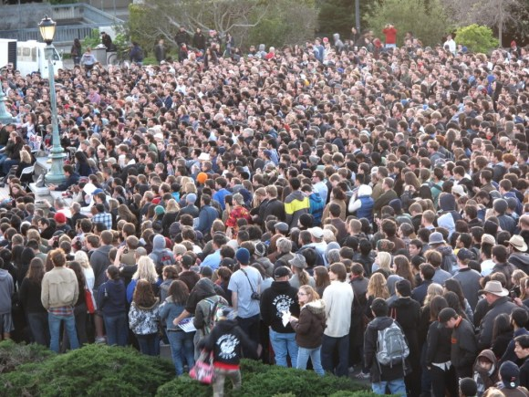 A crowd of 8,500 students at the traditionally liberal U.C. Berkeley gathered to hear Ron speak in 2012.