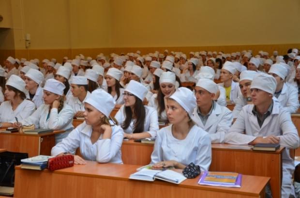 Майбутні лікарі. Фото: iPress.ua.