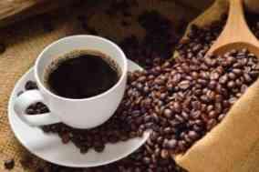 kopi hitam dan biji kopi