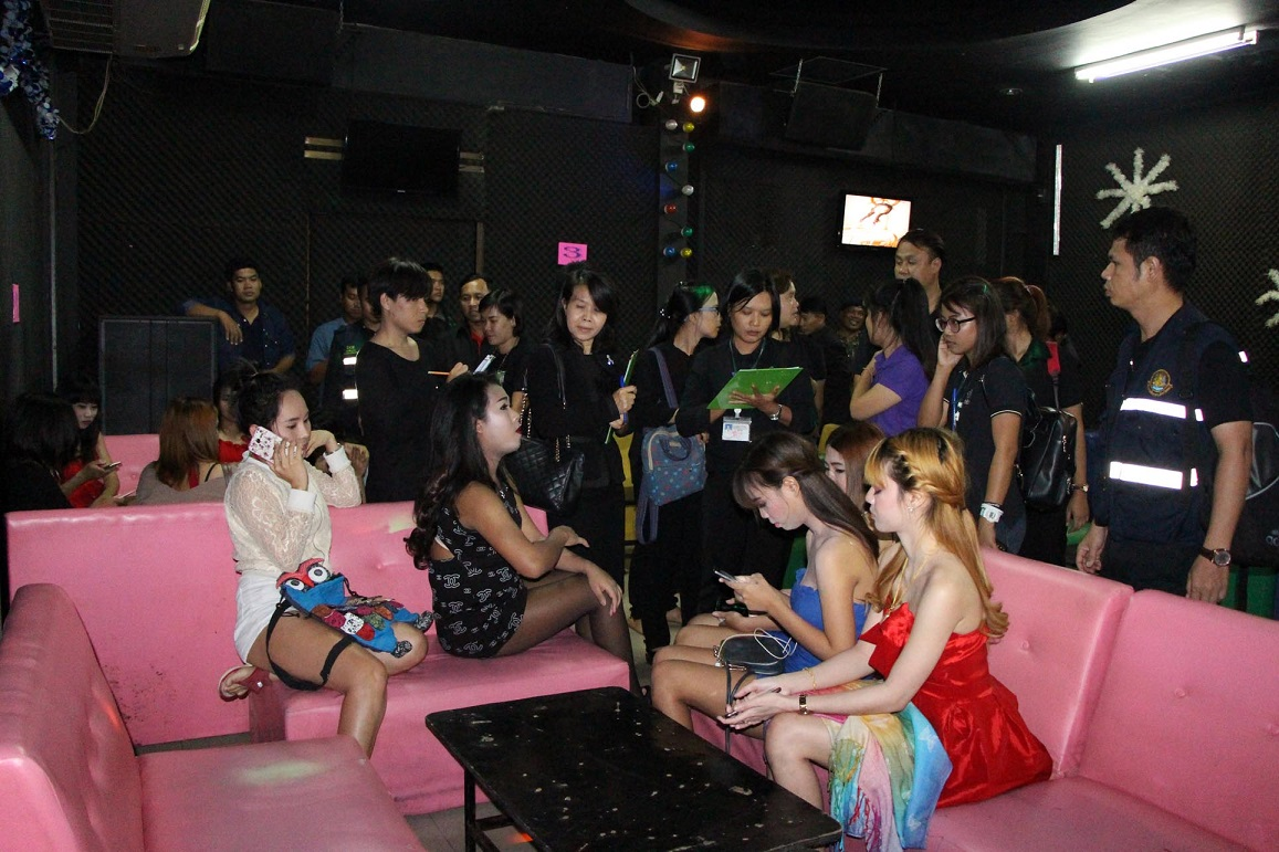 Three clubs raided in Pattaya