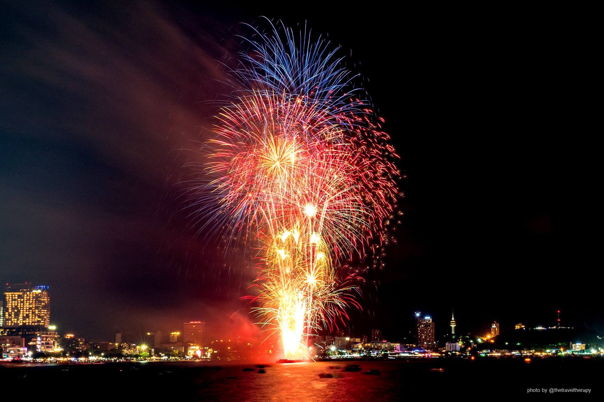 DUSIT THANI PATTAYA: New Year's Eve Countdown Party 2018/2019
