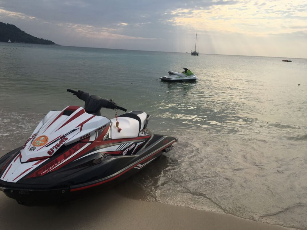 Four Russian tourists fined after Phuket jet-ski accident