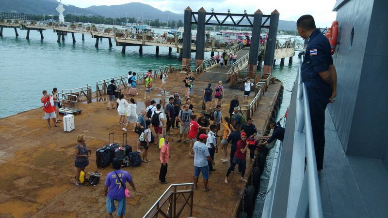 Foreign tourists stranded on Phuket's Koh Racha rescued