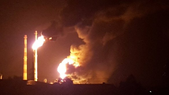 8 injured, 1,800 evacuated as huge blast rocks oil refinery in Bavaria