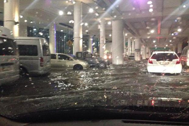 Bangkok battered by heavy rain