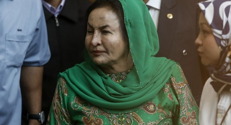 Malaysia ex-PM's wife grilled by corruption investigators