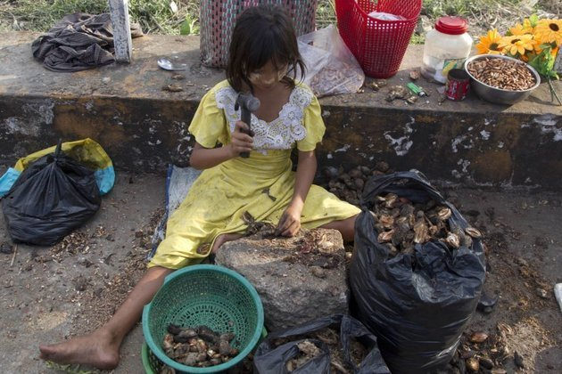How many starving in Asia? 486 MILLION say UN
