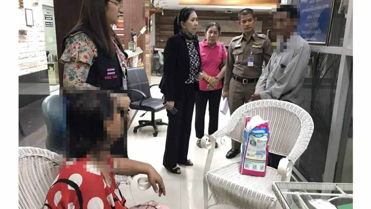 Man arrested for allegedly dumping disabled wife on Bangkok roadside