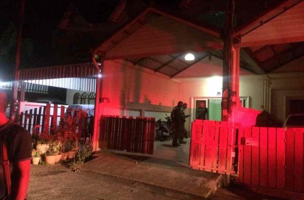 Policeman shoots himself in head in Rassada