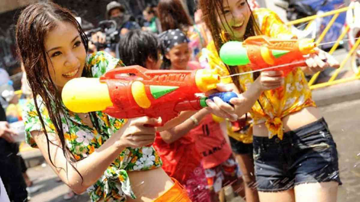 Songkran water fight reminder