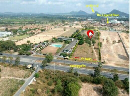 A Golden Plot Of Land Up For Sale!