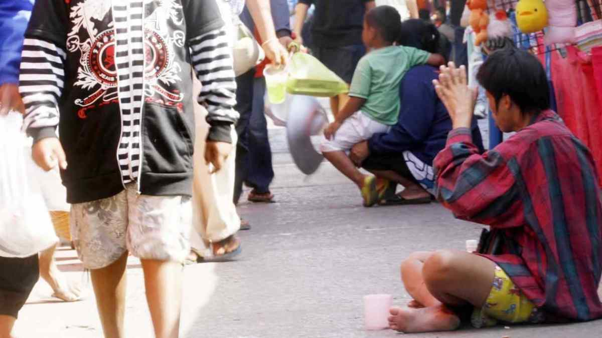New law: beggars can face fines or jail