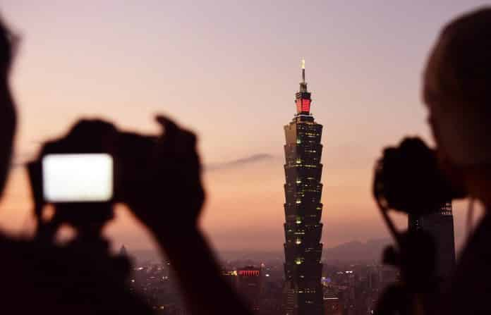 Beijing Urges US to Scrap Arms Deals With Taiwan