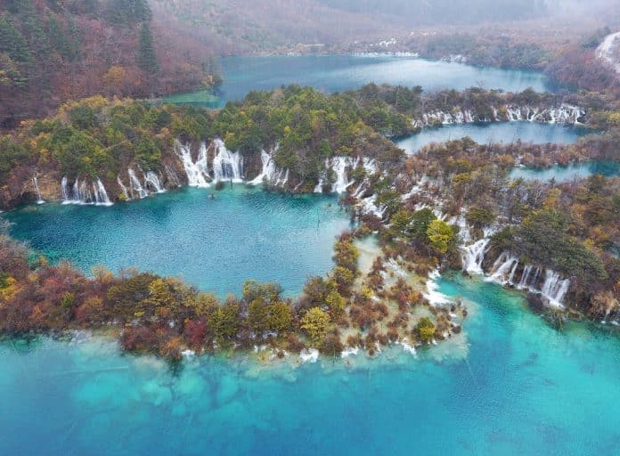 China's Picturesque Tourist Landmark Jiuzhaigou to Reopen