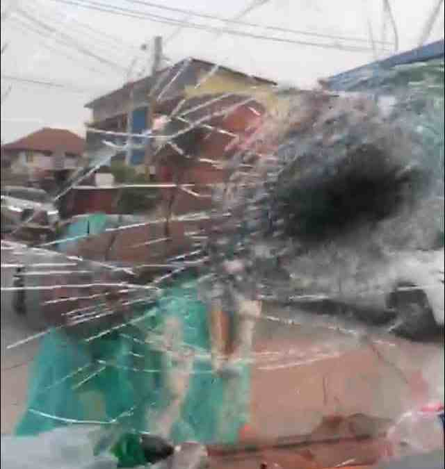 Husband asks wife to forgive him, ends up smashing her windshield.