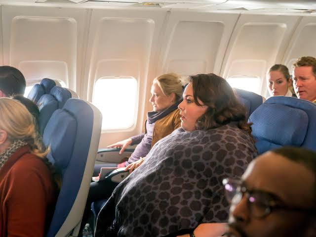 Should bigger passengers pay more airplane seats