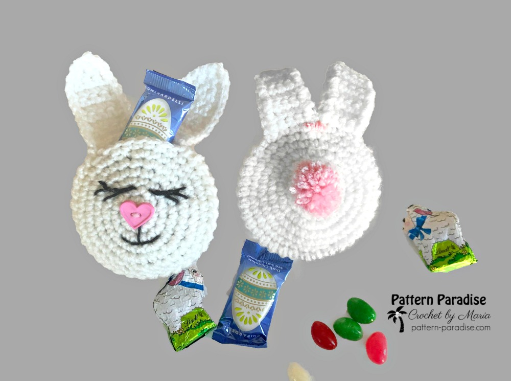 Free Crochet Pattern | Bunny Treat Pouches on Pattern-Paradise.com || Make these adorable bunny head pouches and fill them with your favorite treats for holiday giving. Perfect for money gifts too! #crochet #patternparadisecrochet #bunny