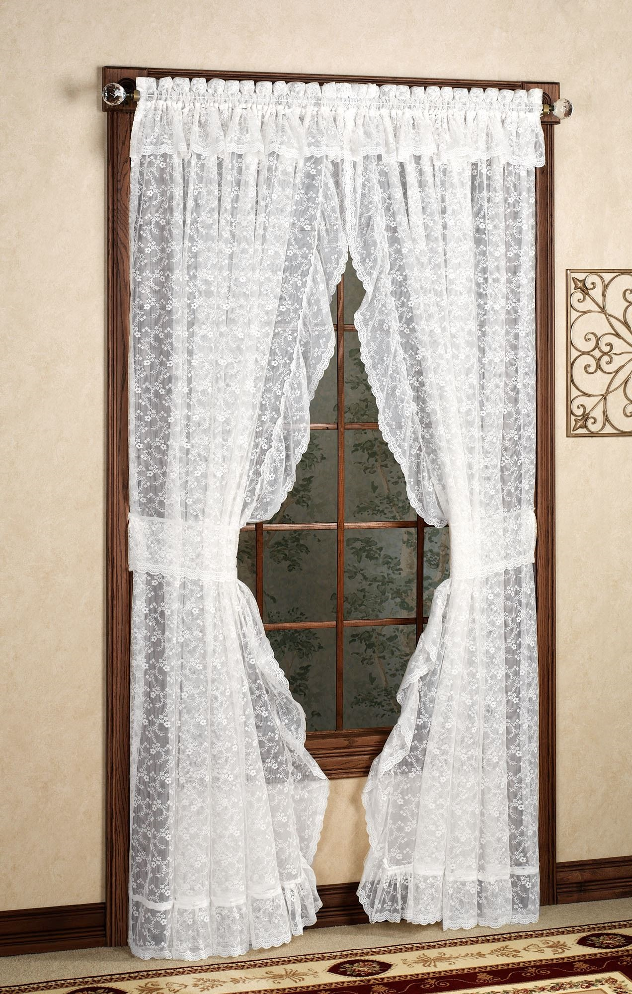 24 Simple Looking Patterns For Crochet Curtains