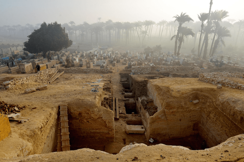 800 Egyptian Tombs Discovered From Exodus Period