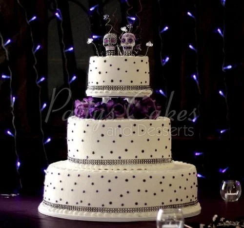 Purple Off White Round Wedding Cake