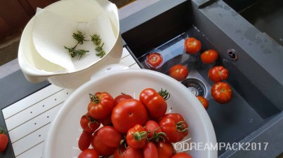 Clean the tomatoes